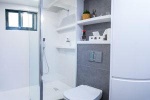 Reforma de baño en un apartamento pequeño