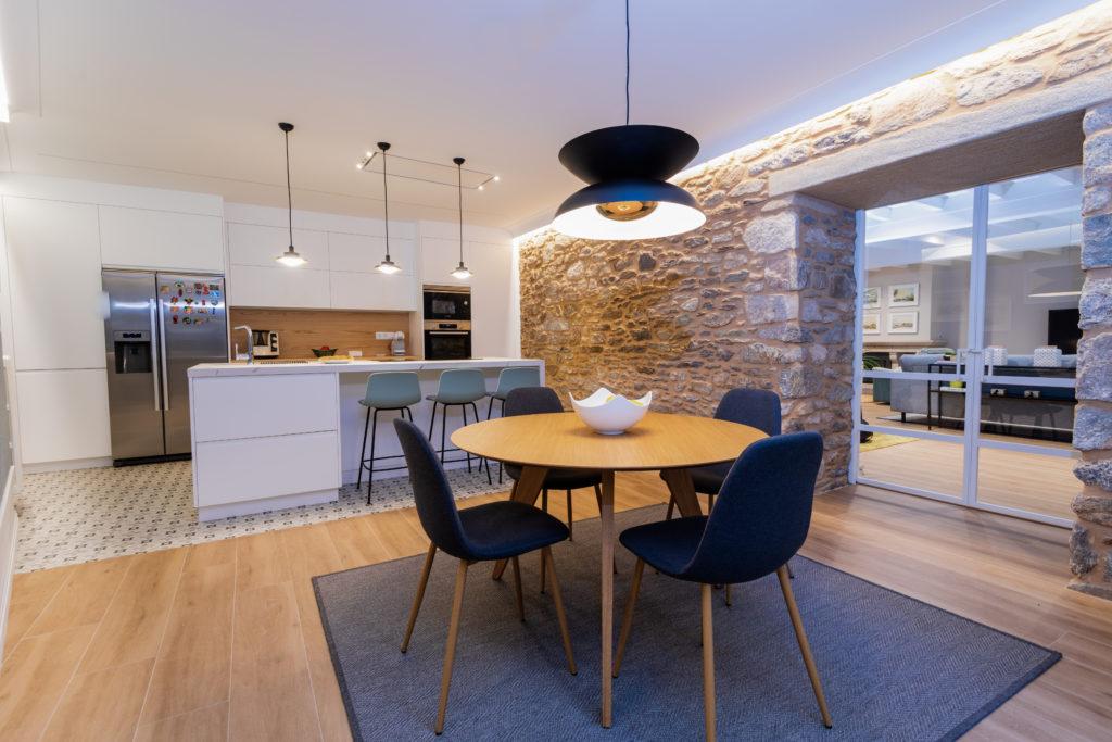 Imagen de la cocina abierta.