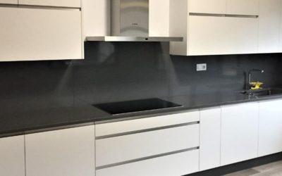 Tendencias en Decoración de Cocina: Colores Negros y Oscuros.